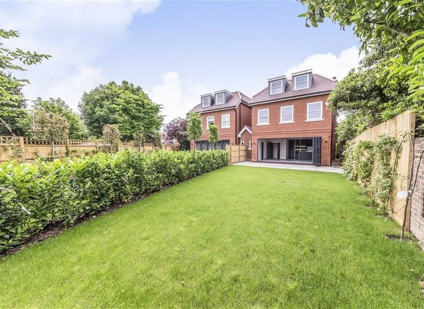 Properties for sale in Manor Gardens - TW12 2TU view11