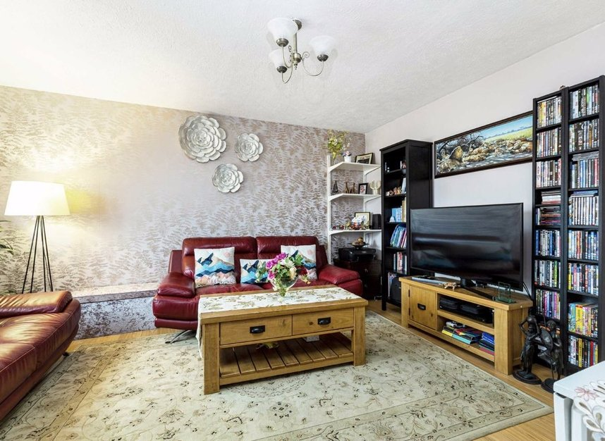 Properties for sale in Marchside Close - TW5 9BX view2