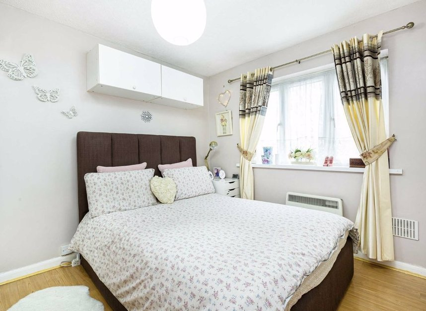 Properties for sale in Marchside Close - TW5 9BX view3
