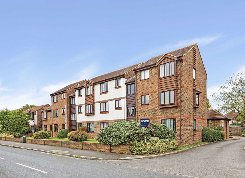Properties for sale in Marchside Close - TW5 9BX view1