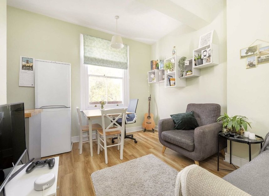 Properties for sale in Marlborough Road - N19 4NA view2