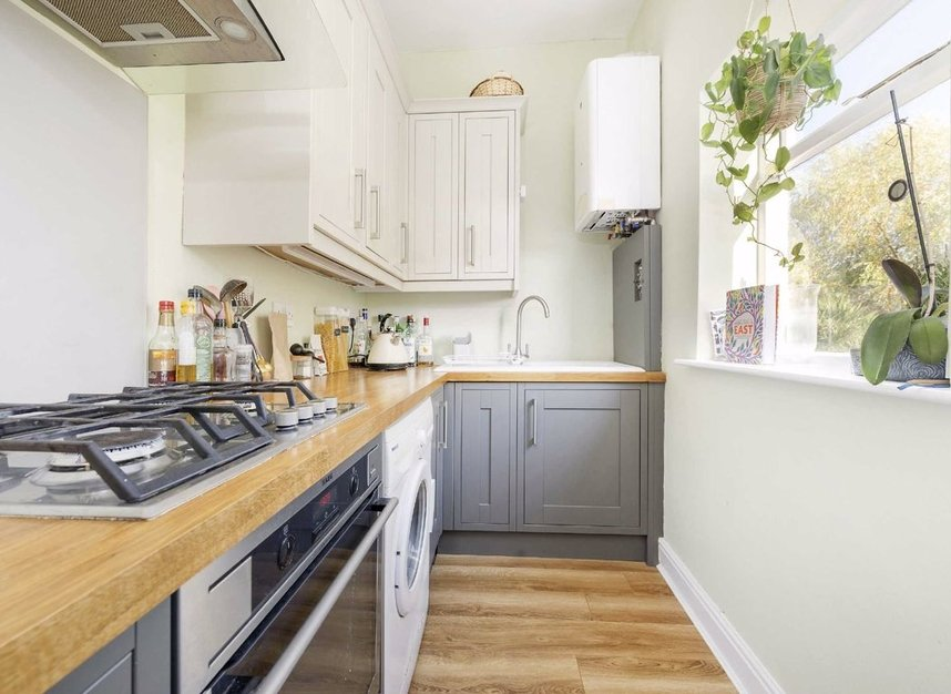 Properties for sale in Marlborough Road - N19 4NA view3
