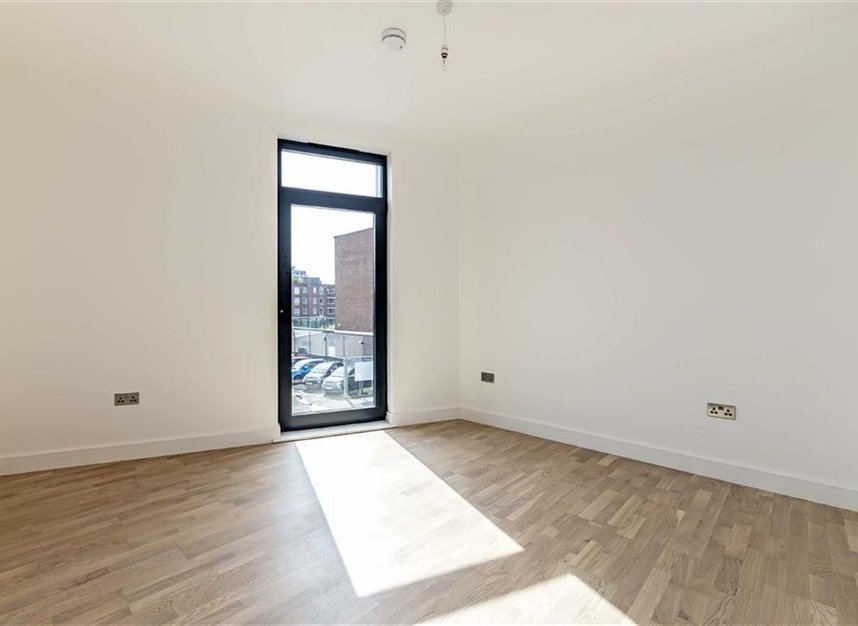 Property For Sale In Milner Road London Sw19 Dexters