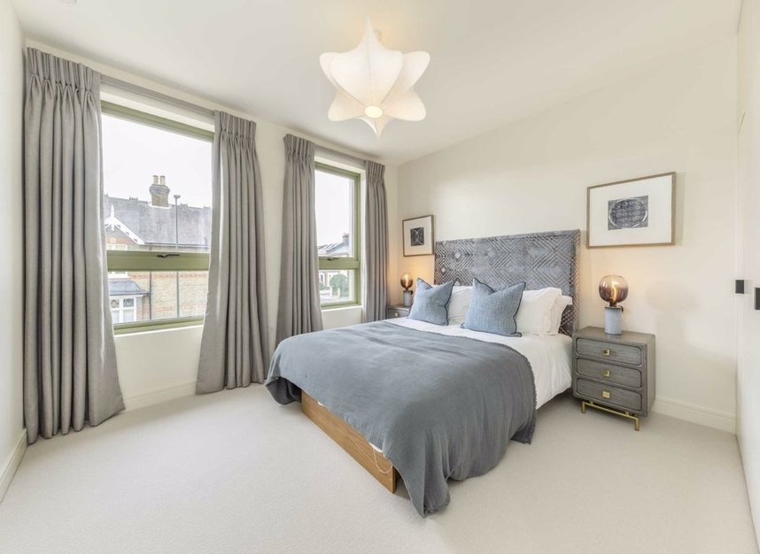 Properties for sale in Montague Road - SW19 1SY view4
