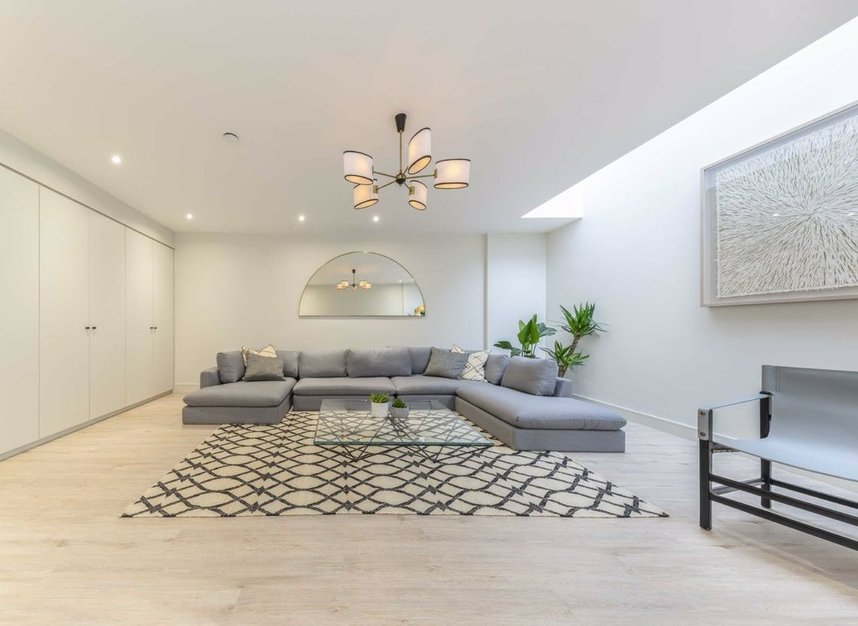 Properties for sale in Montague Road - SW19 1SY view5