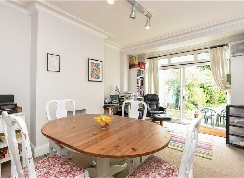 Properties for sale in Montrose Avenue - TW2 6HB view4