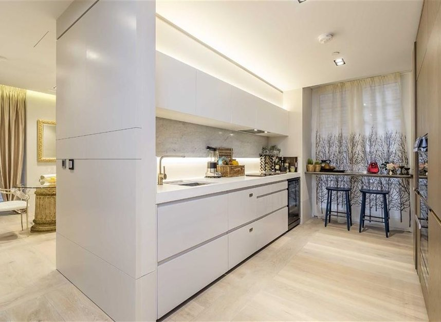 Properties for sale in Nassau Street - W1W 7FD view4