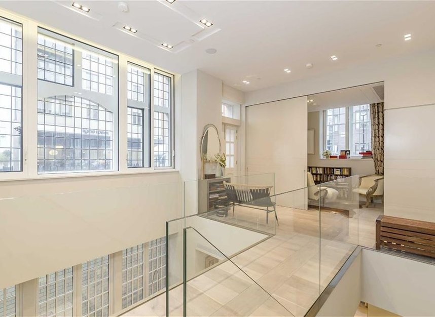 Properties for sale in Nassau Street - W1W 7FD view8
