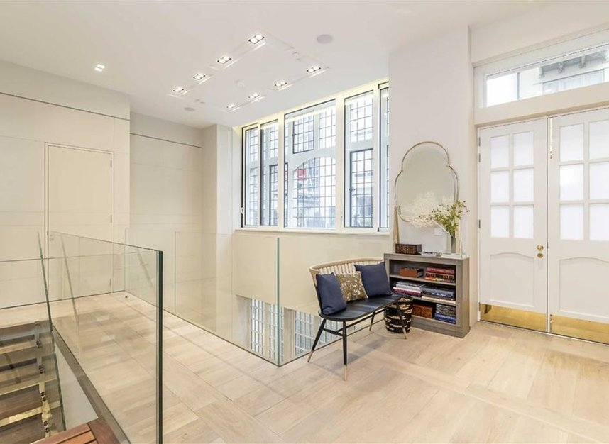 Properties for sale in Nassau Street - W1W 7FD view6