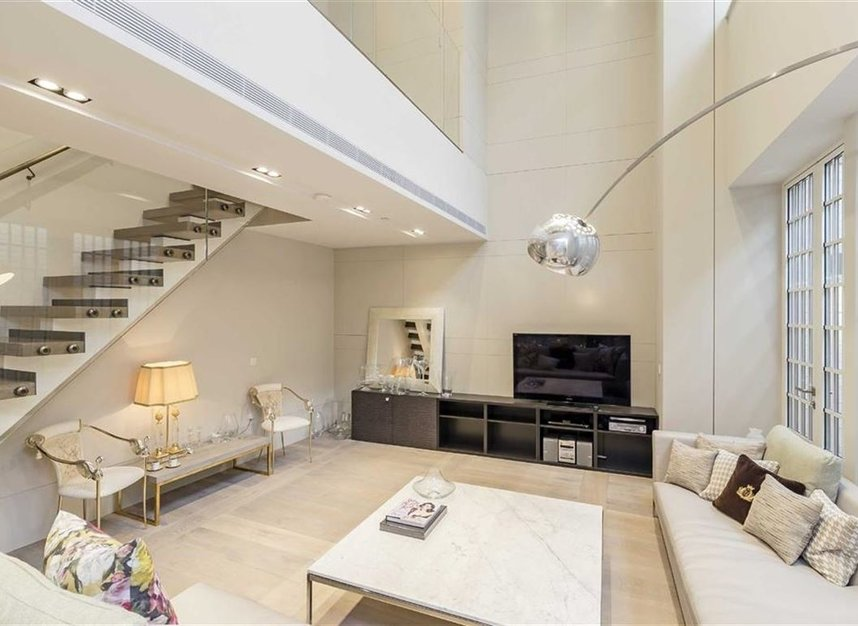 Properties for sale in Nassau Street - W1W 7FD view5