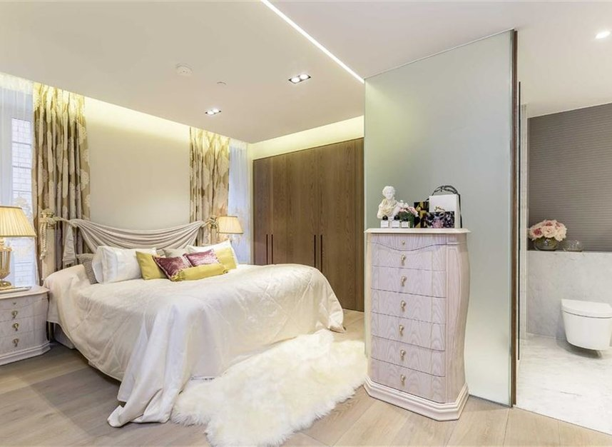 Properties for sale in Nassau Street - W1W 7FD view3