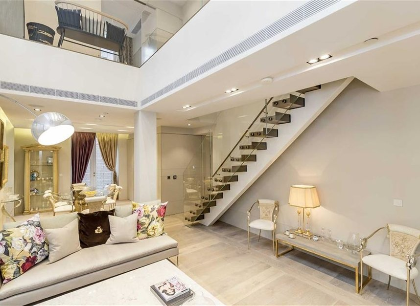 Properties for sale in Nassau Street - W1W 7FD view2