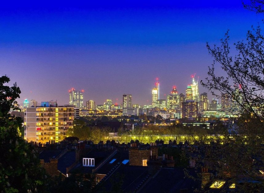 Properties for sale in Nassington Road - NW3 2TY view6