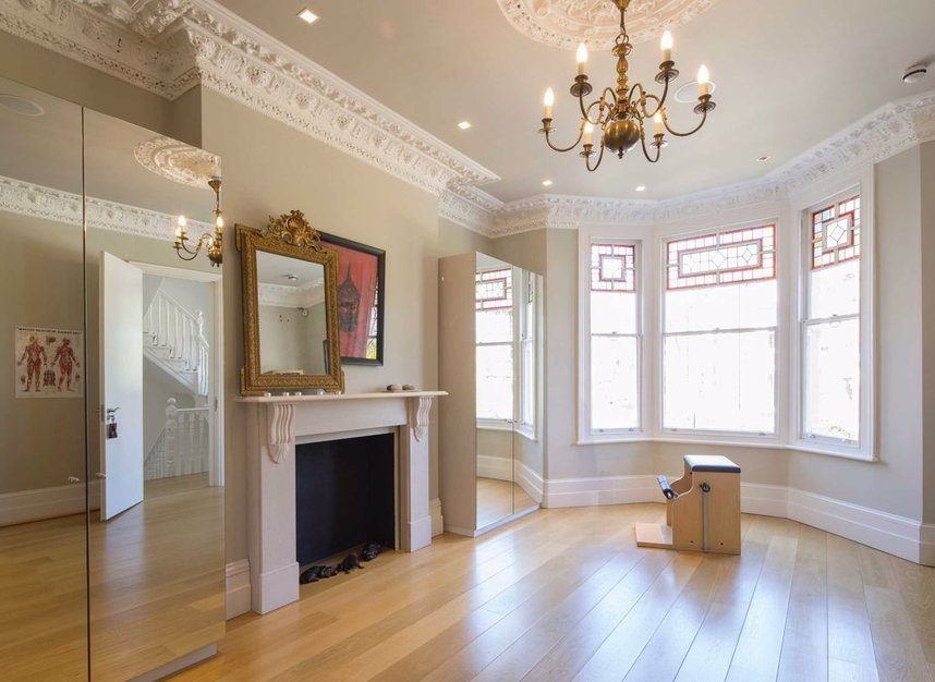 Properties for sale in Nassington Road - NW3 2TY view7