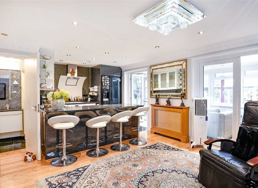 Properties for sale in Noel Road - W3 0JQ view3
