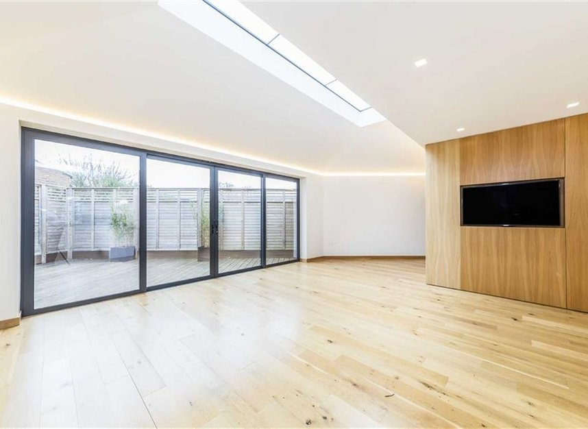 Properties for sale in Noel Road - W3 0JX view7