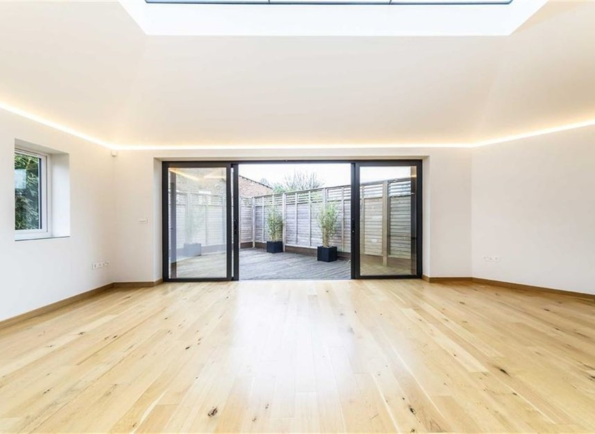 Properties for sale in Noel Road - W3 0JX view4