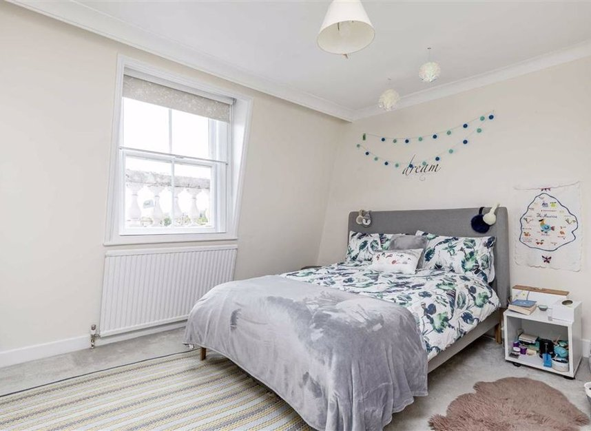 Properties for sale in Onslow Gardens - SW7 3BS view7
