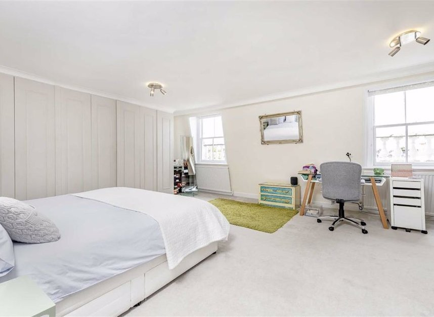 Properties for sale in Onslow Gardens - SW7 3BS view5