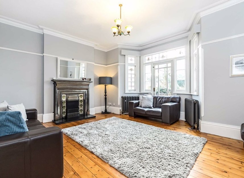 Properties for sale in Ormond Avenue - TW12 2RX view3