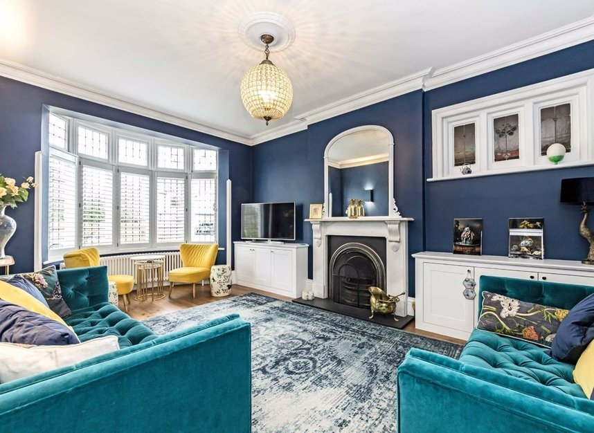 Properties for sale in Ormond Avenue - TW12 2RX view2