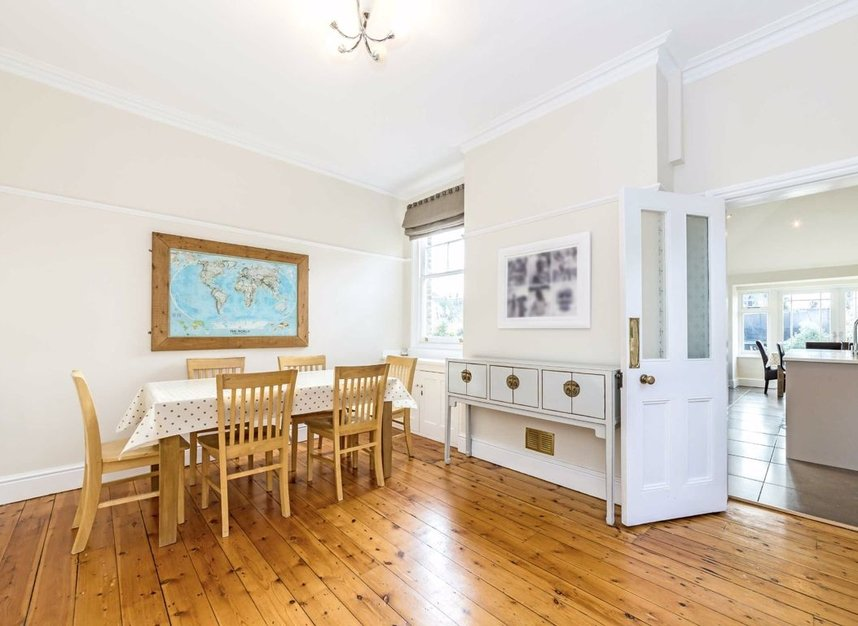 Properties for sale in Ormond Avenue - TW12 2RX view6