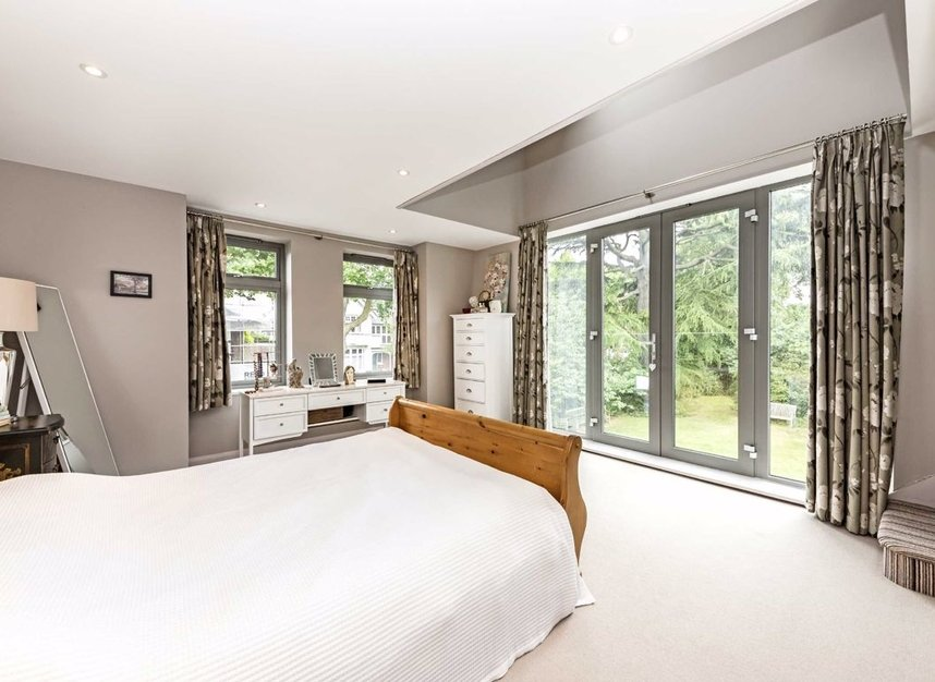 Properties for sale in Ormond Avenue - TW12 2RT view4