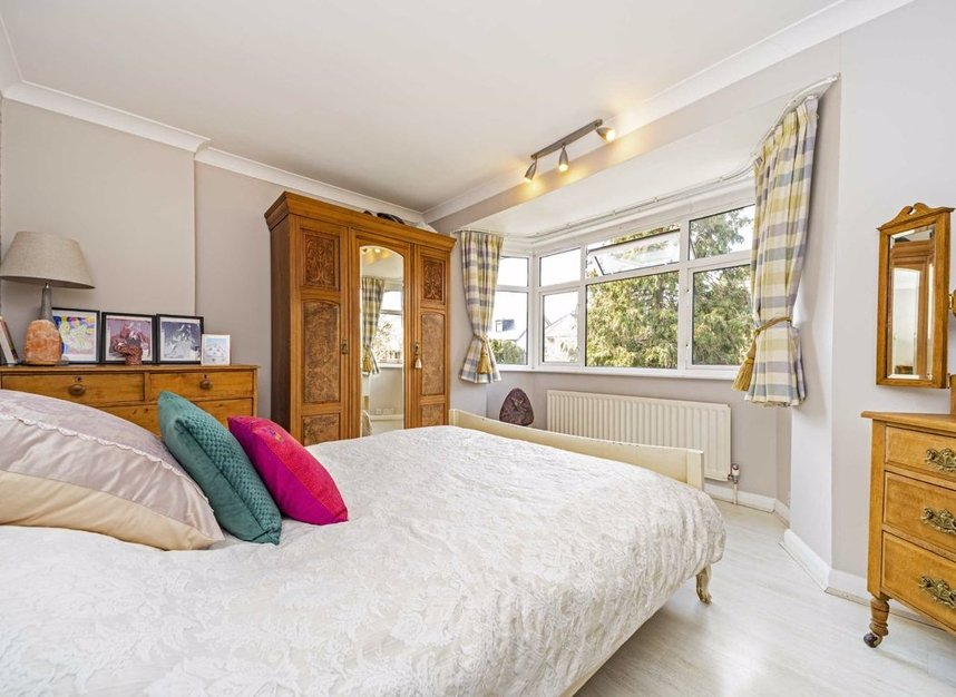Properties for sale in Ormond Drive - TW12 2TL view5