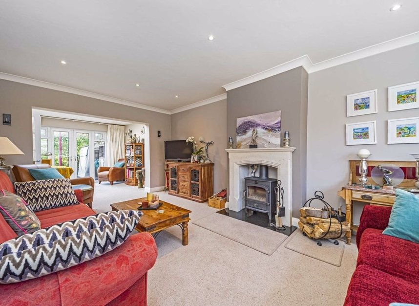 Properties for sale in Ormond Drive - TW12 2TL view2