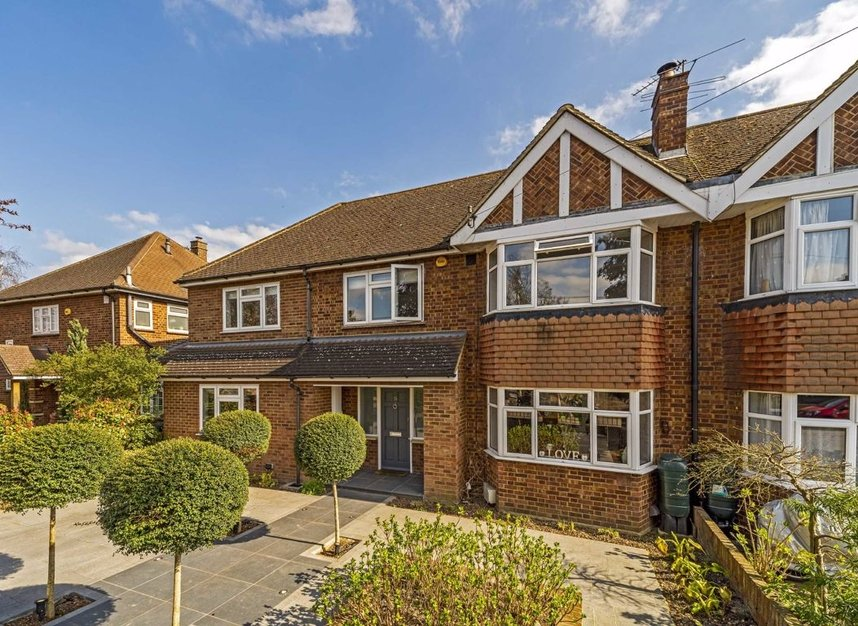 Properties for sale in Ormond Drive - TW12 2TL view1