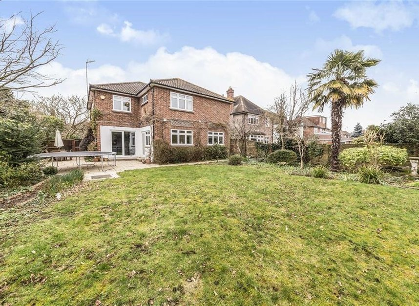 Properties sold in Ormond Drive - TW12 2TL view6
