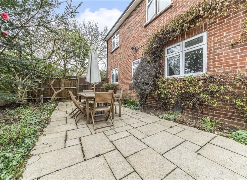Properties sold in Ormond Drive - TW12 2TL view7