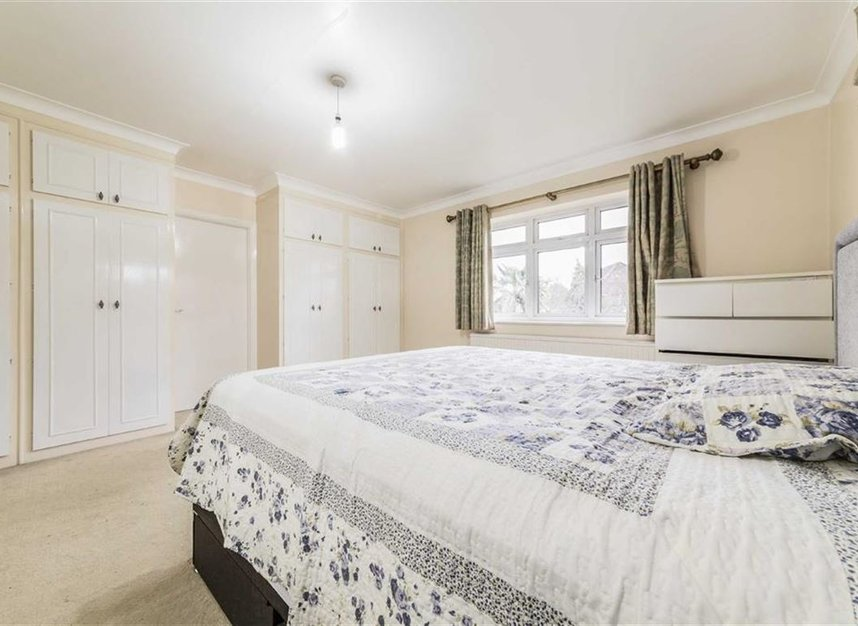 Properties sold in Ormond Drive - TW12 2TL view5