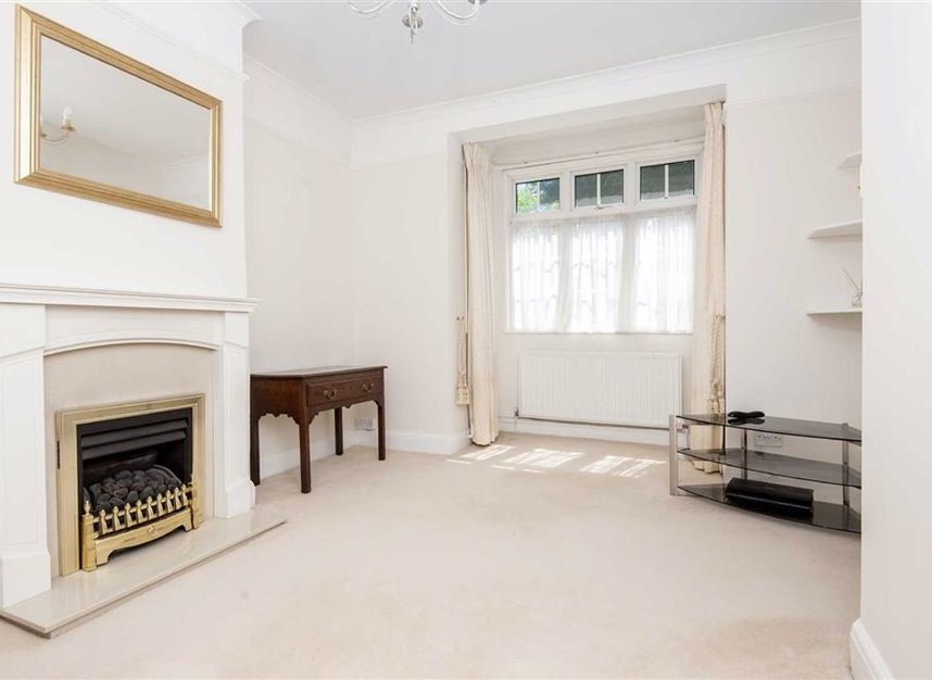 Properties for sale in Park Road - KT1 4AS view2