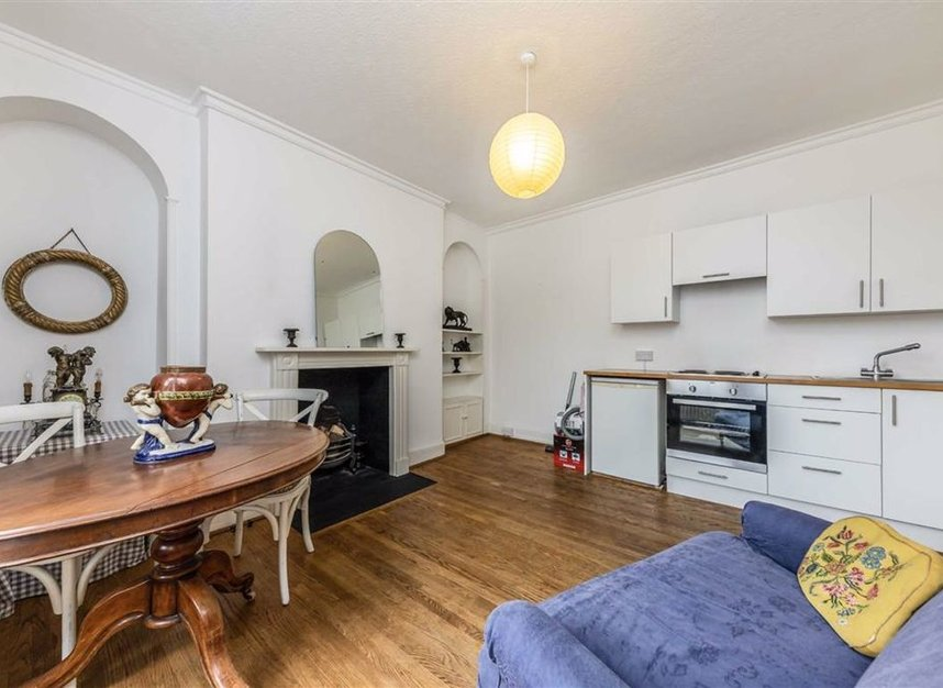 Properties for sale in Park Road - TW11 0AG view3