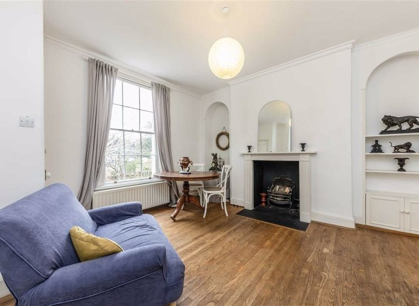 Properties for sale in Park Road - TW11 0AG view4