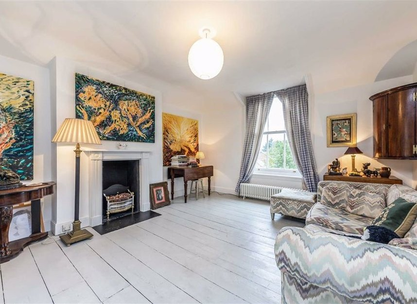 Properties for sale in Park Road - TW11 0AG view2