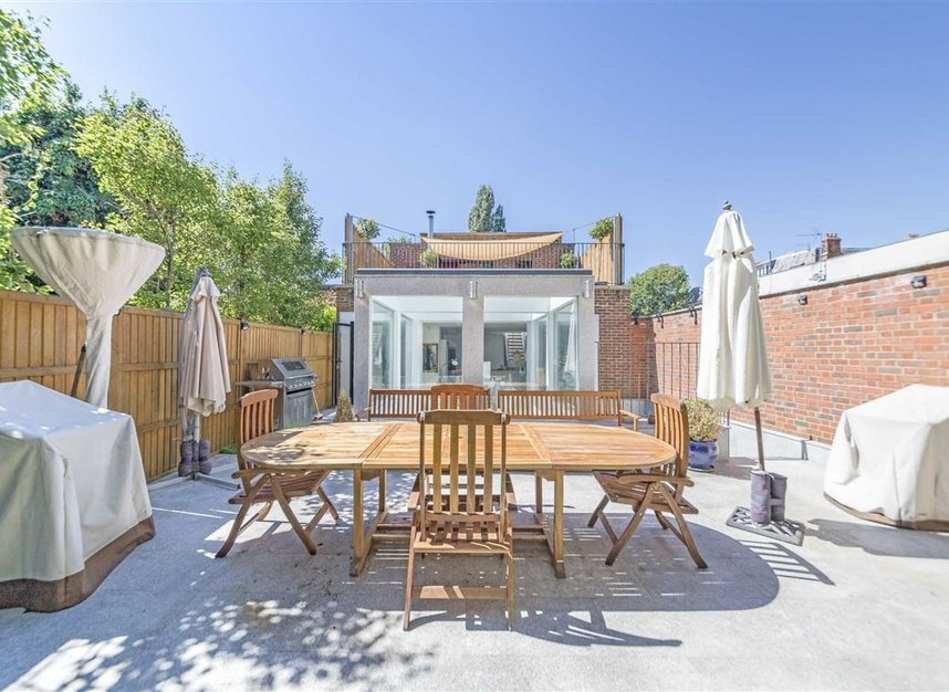 Properties for sale in Parsifal Road - NW6 1UG view14