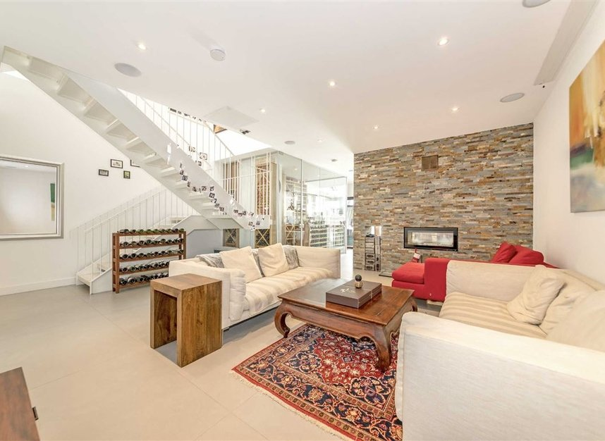 Properties for sale in Parsifal Road - NW6 1UG view2