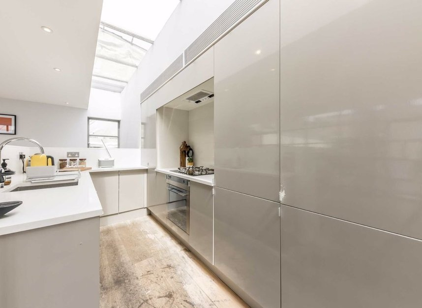 Properties for sale in Pollen Street - W1S 1NH view4