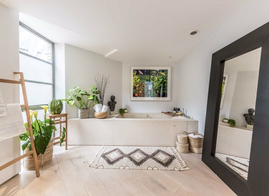 Properties for sale in Pollen Street - W1S 1NH view8