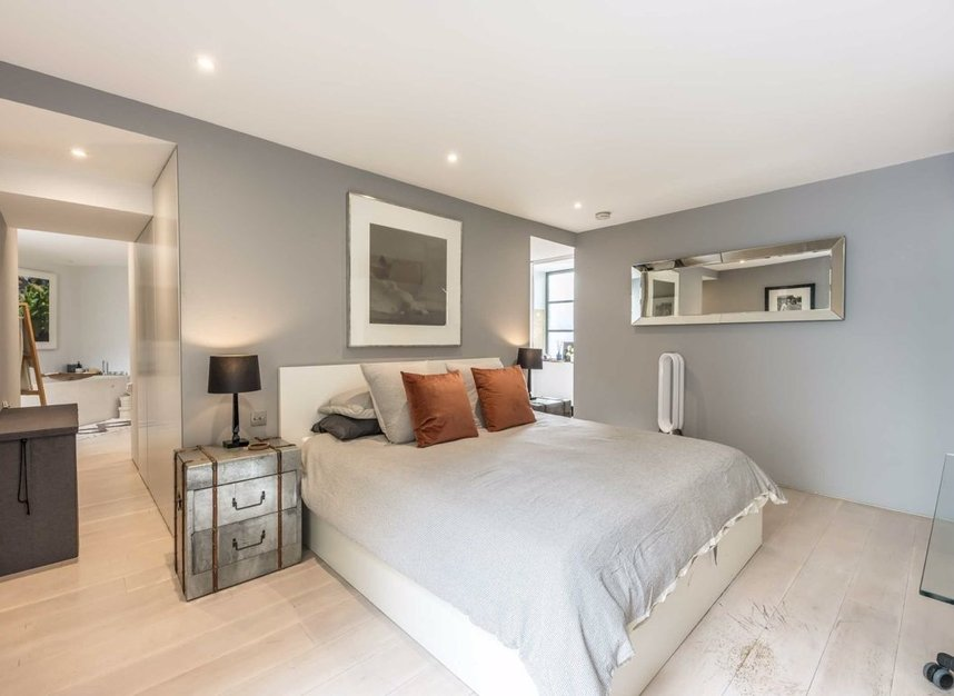 Properties for sale in Pollen Street - W1S 1NH view6