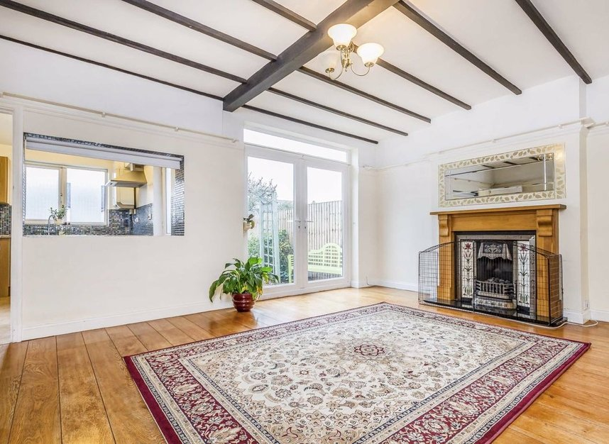 Properties for sale in Princes Gardens - W3 0LN view2