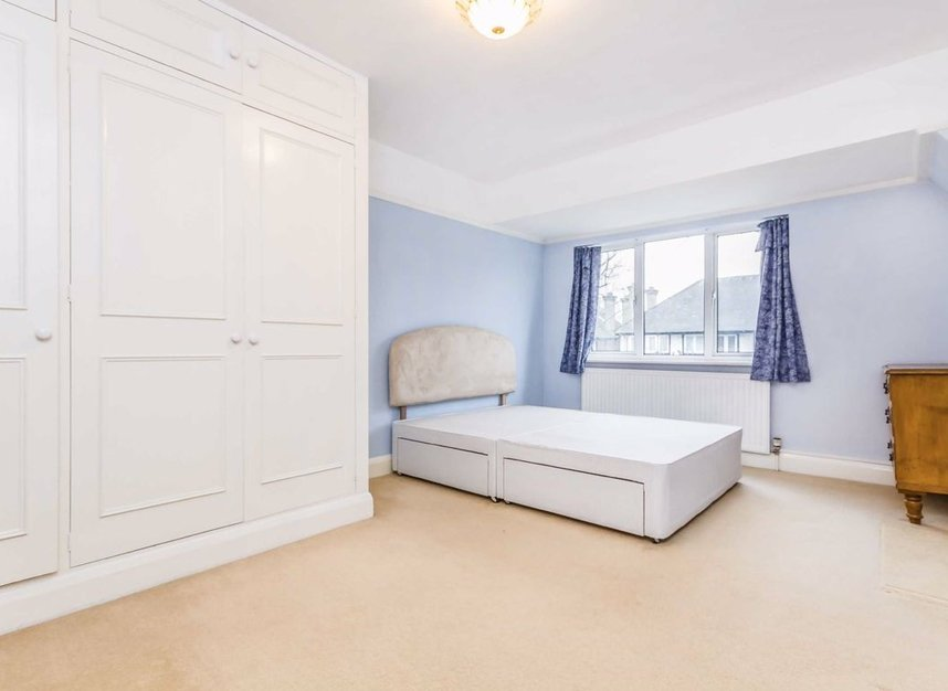 Properties for sale in Princes Gardens - W3 0LN view4