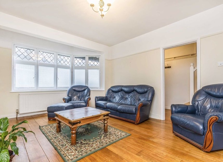 Properties for sale in Princes Gardens - W3 0LN view3