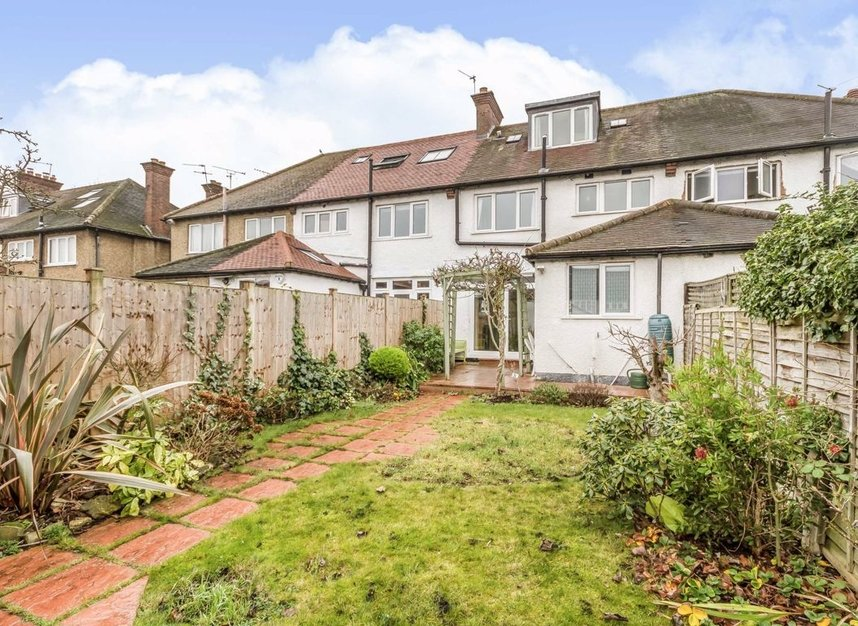 Properties for sale in Princes Gardens - W3 0LN view6