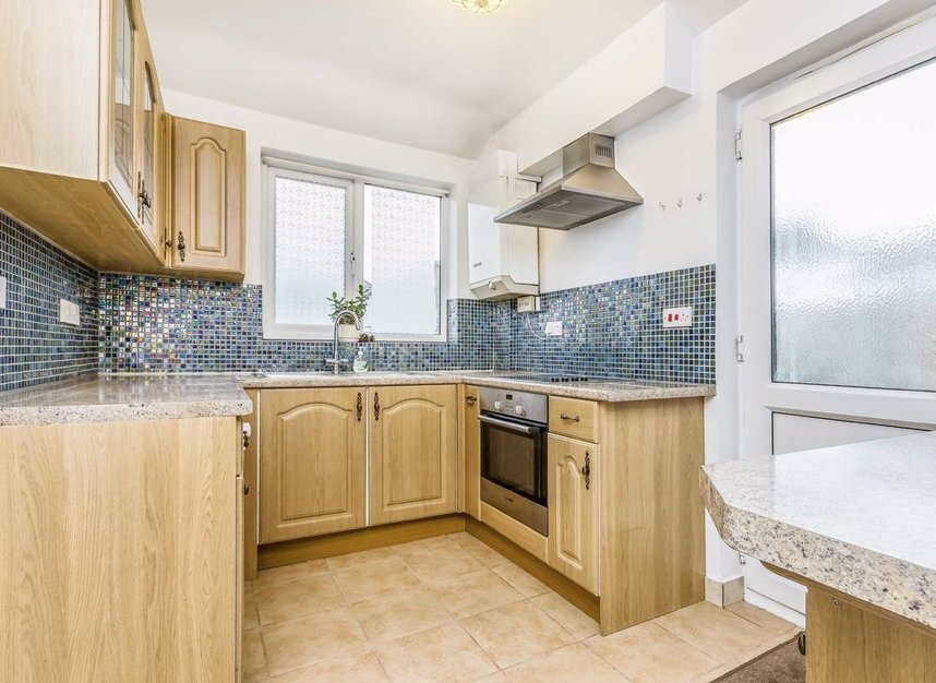 Properties for sale in Princes Gardens - W3 0LN view5