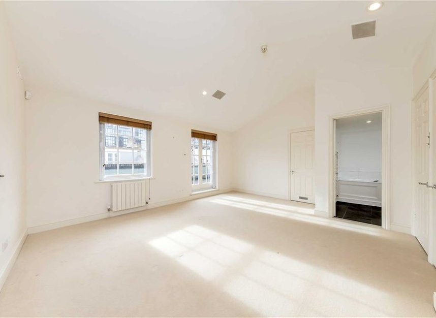 Properties for sale in Princes Gate Mews - SW7 2PR view6