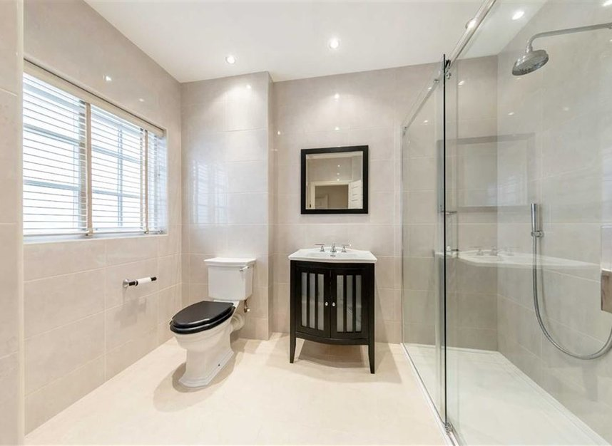 Properties for sale in Princes Gate Mews - SW7 2PR view8