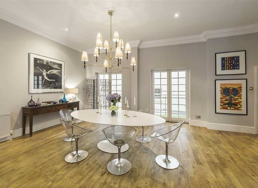 Properties for sale in Queen Annes Gate - SW1H 9AA view4
